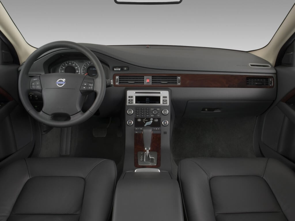 volvo Dash Kits  photo 3